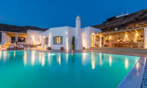 Garnet-Villa-Mykonos-Pool (7)